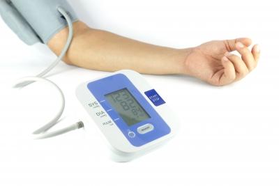 hogyan és mit kezelnek a magas vérnyomás magas vérnyomás 2 fok 3 fokozat 4 kockázati csoport