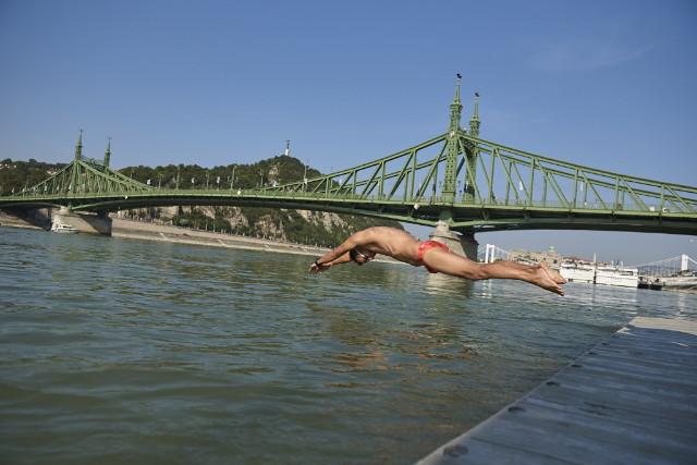 Budapest Urban Games - Duna-átúszás