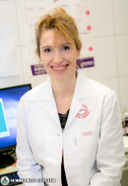 Dr. Molnár Viktória