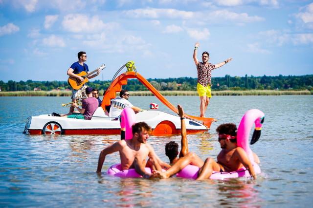 EFOTT 2019 - Vizibiciklis akusztik koncert a tavon