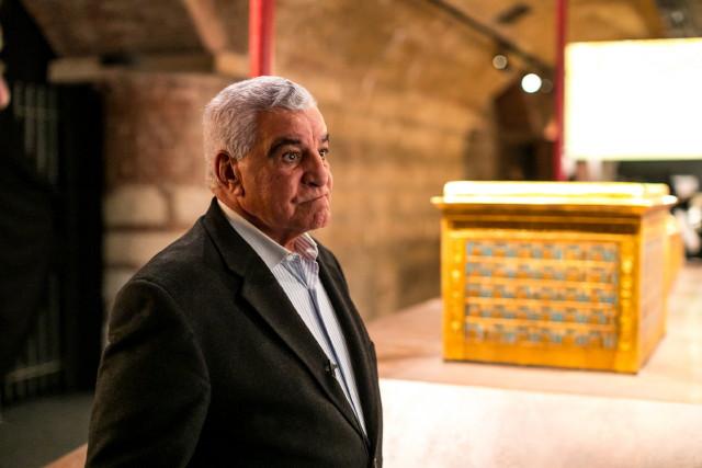 Prof Zahi Hawass a Tutanhamon kiállításon
