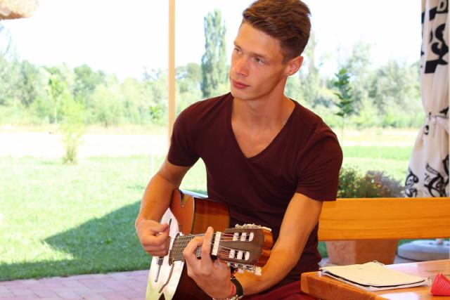 Zenével a Rákos Gyermekekért Alapítvány - Ricsi gyógyultan