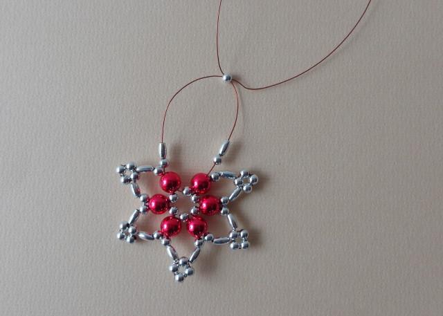 Karácsonyi csillag gyöngyből