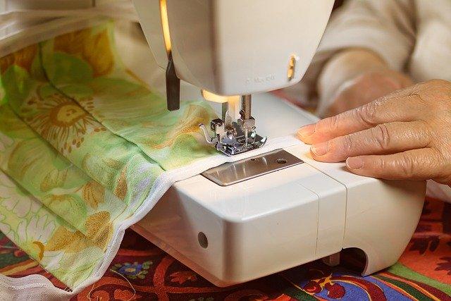 Textil maszk varrása