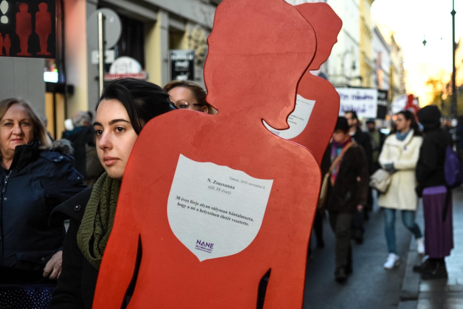 Családon belüli erőszak tüntetés