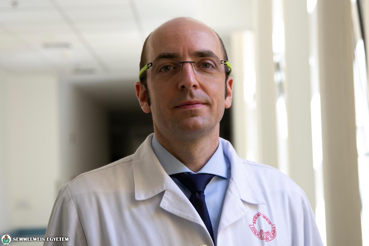 Dr Maurovich