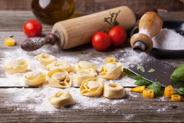 Aszalt paradicsomos - spenótos vegán ravioli elkészítése