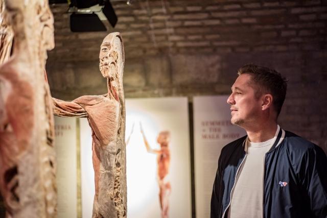 Vincze Ottó a Body kiállításon