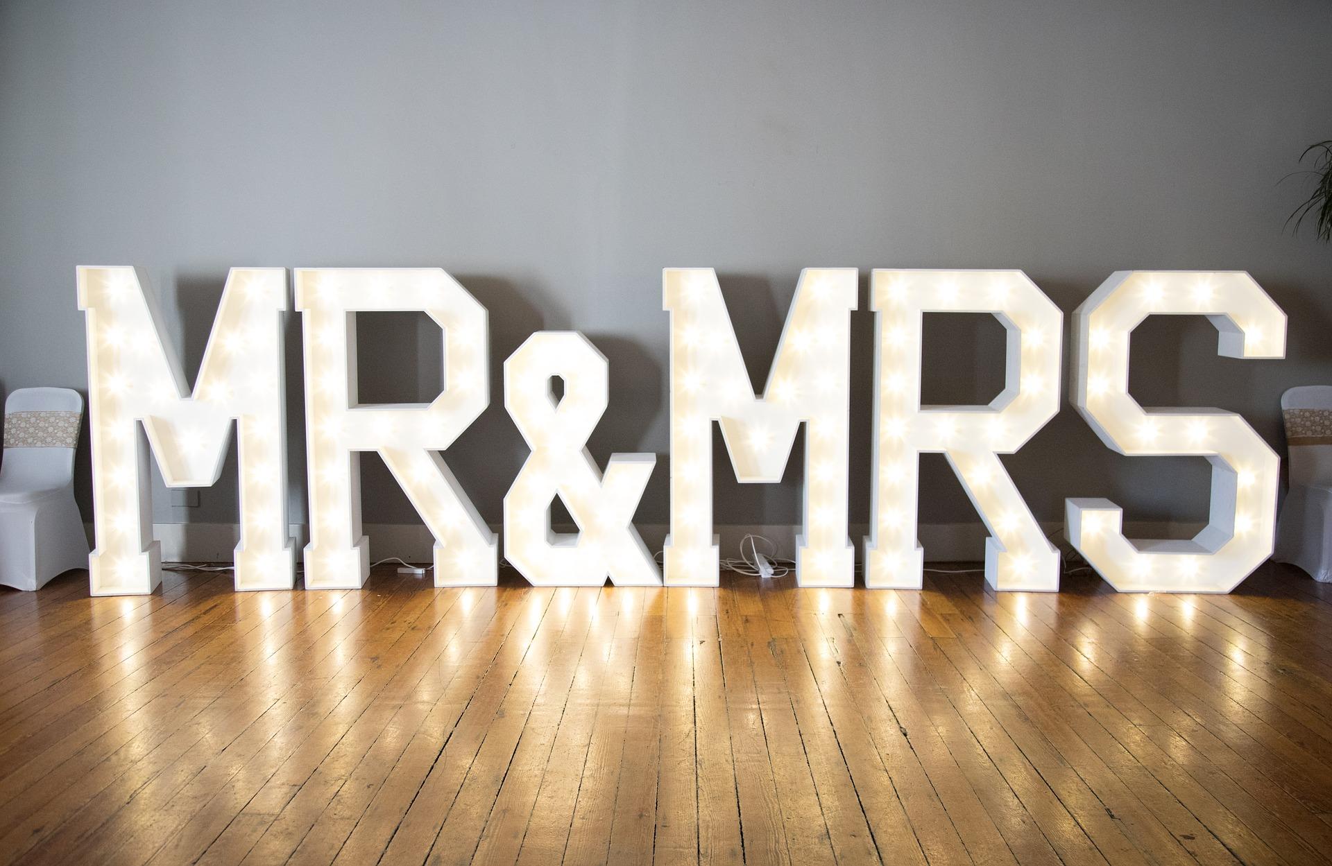 házassági diploma lassan fejlődik a társkereső