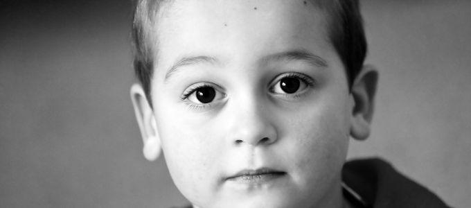 A gyerekkori szeretethiány egész életünkben elkísér